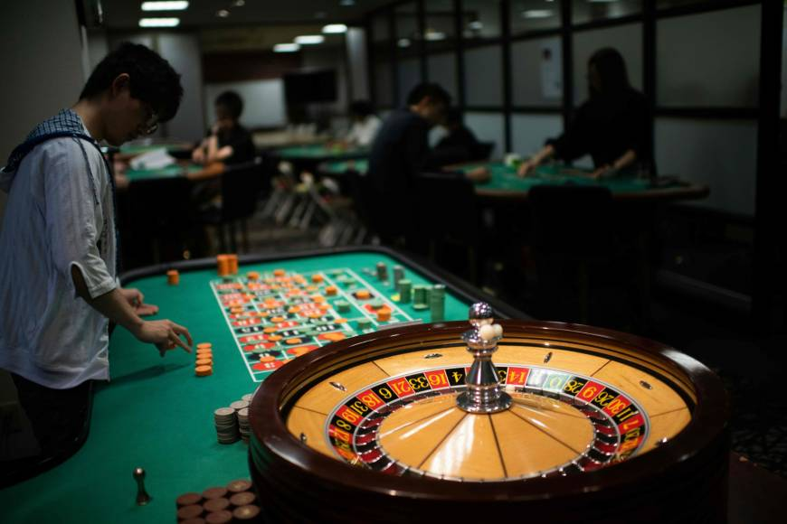 Benefits of playing poker games in online